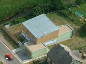 Stavba, základy, zateplení, střecha, okna, bazén